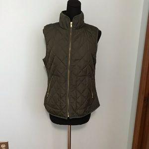 Olive zip light vest